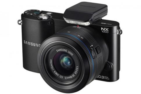 Samsung NX1000 bán ra sau một tháng chậm trễ