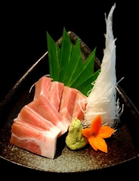 Sashimi bụng cá ngừ