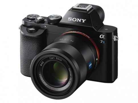 Sony Alpha A7S quay video 4K có giá 2.500 USD
