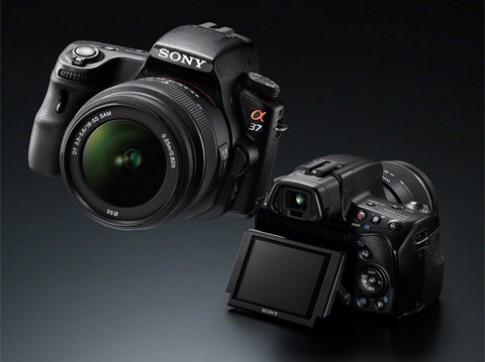 Sony ra Alpha A37 và ống 18-135 mm