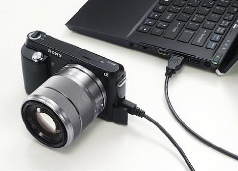Sony ra NEX-F3 giá tốt, có đèn flash