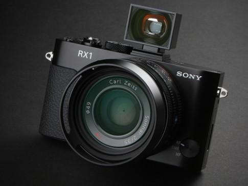 Sony sắp ra mẫu compact với cảm biến full-frame mới vào cuối hè