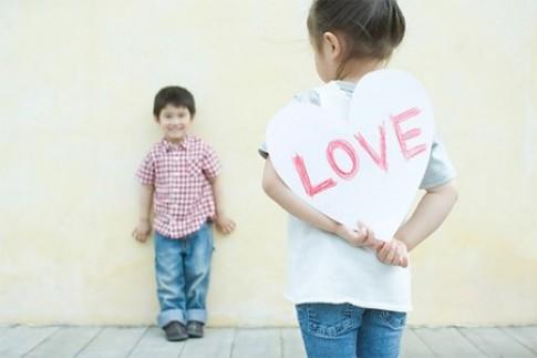 Tá hỏa khi phát hiện trẻ làm 'chuyện vợ chồng'