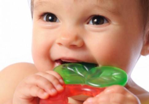 Tại sao bé chậm mọc răng