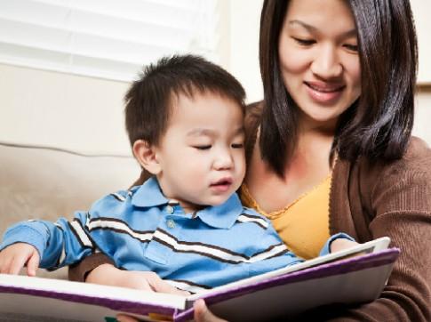 Tại sao con trai quá bám mẹ, ít quấn bố