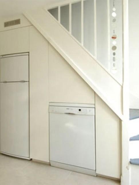 Tận dụng không gian gầm cầu thang