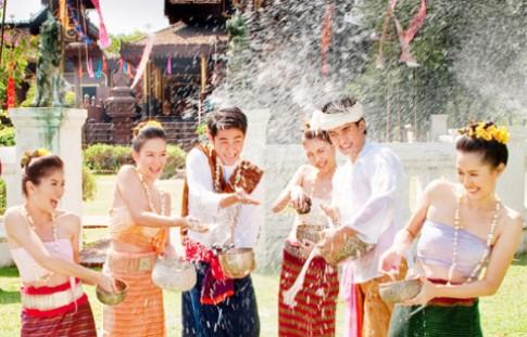 Tết SongKran - lễ hội té nước ở Thái Lan