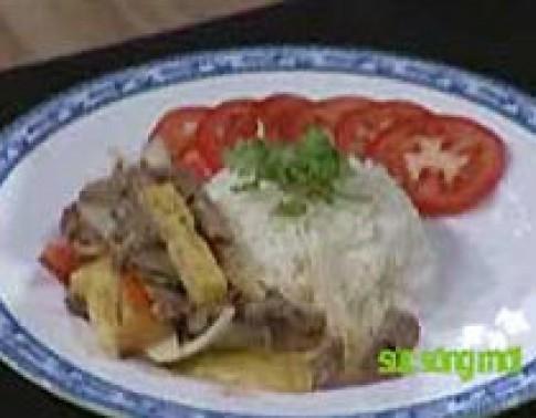 Thịt bò xào khoai tây
