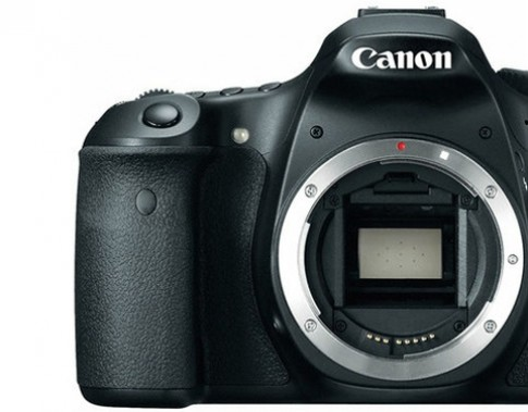 Tin đồn 7D Mark II là máy full-frame giá rẻ của Canon