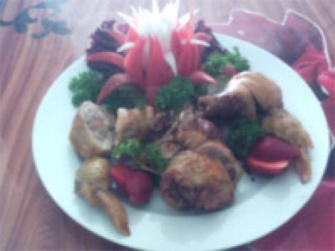 Tỏi gà rút xương nhồi thịt nướng