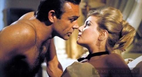 """Top 6 độc chiêu """"sát gái"""" của James Bond (P5)"""