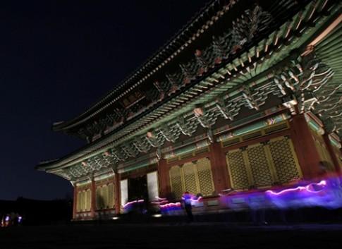 Tour tham quan cung điện Hàn Quốc vào ban đêm