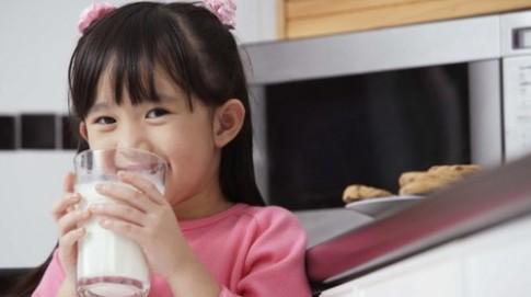 Trẻ 3 tuổi biếng ăn phải làm sao