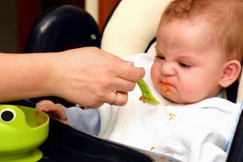 Trẻ ăn món đặc sớm dễ gặp vấn đề tiêu hóa