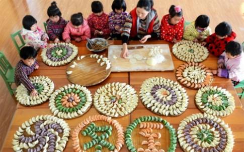 Trẻ em khắp thế giới làm gì trong trường mẫu giáo