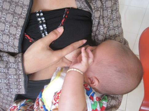 Trẻ ngưng bú mẹ đột ngột
