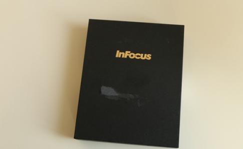 Trên tay InFocus M810T sử dụng bộ vi xử lý lõi tứ Snapdragon 801
