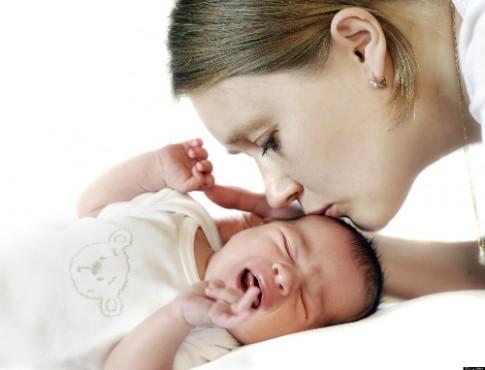 Ứng phó với những cơn khóc của bé