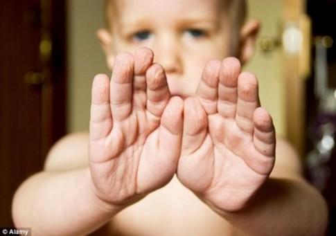Vì sao da tay bạn thường nhăn sau khi tắm?