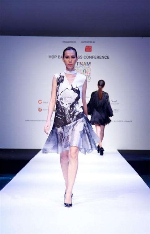 Vì sao thời trang Việt Nam vẫn chưa chịu bắt nhịp với thế giới?