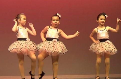 Vũ công 6 tuổi với màn nhảy đầy năng lượng
