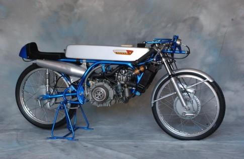 Xe co Suzuki RK67 50cc
