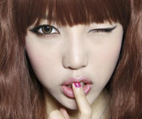 10 bước trang điểm mắt mèo quyến rũ