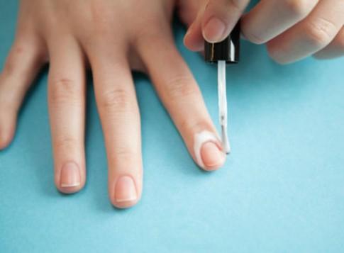 13 mẹo hay để vẽ móng tay không đụng hàng