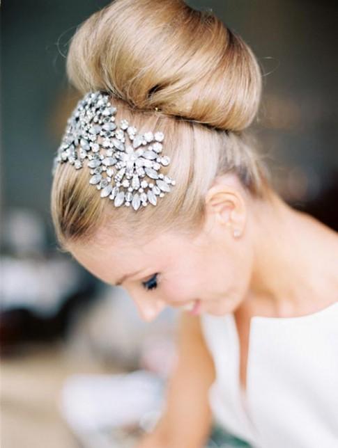 3 kiểu tóc đẹp - ấn tượng cho cô dâu mùa hè