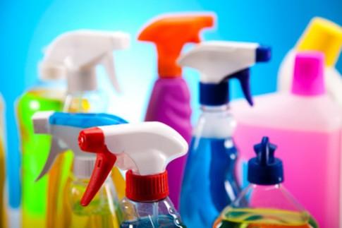 5 sai lầm tẩy rửa dễ gây 'chết người'