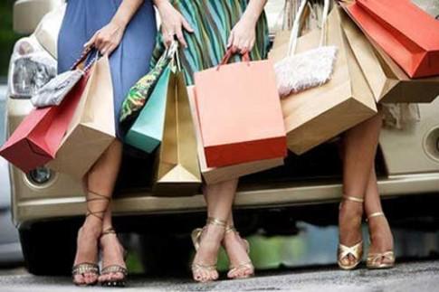 6 dấu hiệu cho thấy bạn là nạn nhân của thời trang