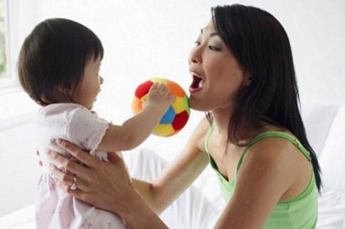 6 tháng, tôi dạy con nói hai thứ tiếng