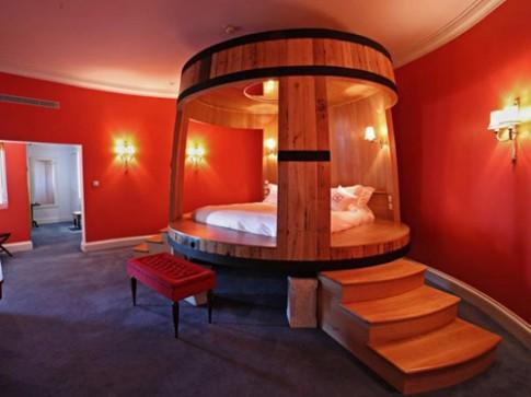 7 chiếc giường lãng mạn hàng đầu hành tinh