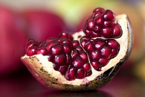 8 bí quyết đẹp rạng ngời từ trái lựu