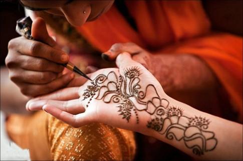Ẩn họa khôn lường từ hình xăm Henna