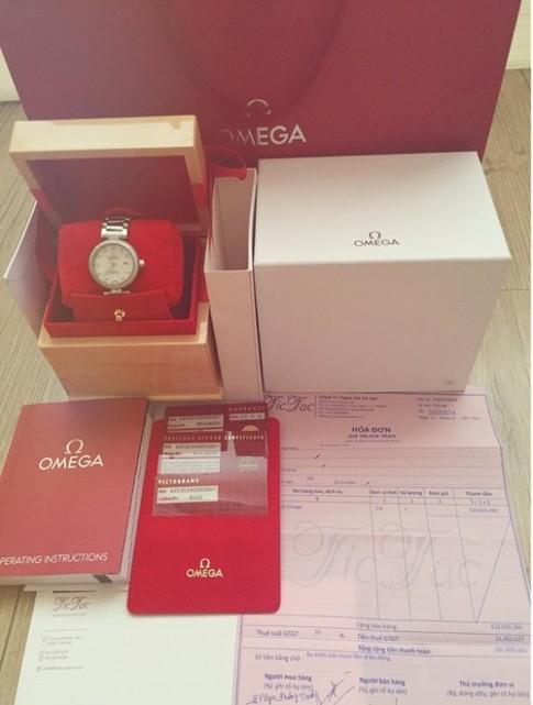 Angela Phương Trinh khoe đồng hồ kèm hóa đơn
