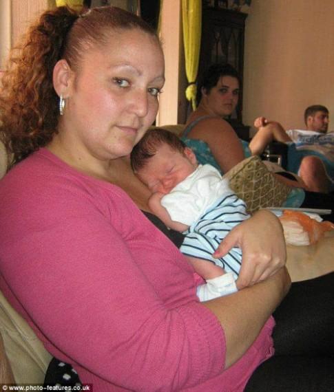 Bà mẹ 3 con lấy lại dáng đến ngạc nhiên