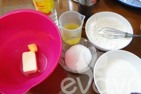 Bánh bông lan bơ với các loại hạt