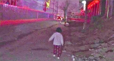 Bé 5 tuổi bỏ nhà đi vì mẹ mắng