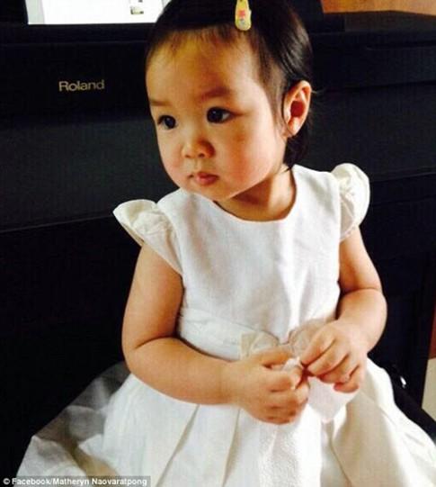Bé gái Thái Lan được bố mẹ làm đông xác để chờ hồi sinh