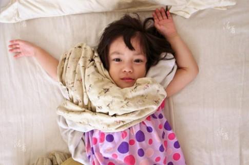 Bộ ảnh mẹ chụp con gái đẹp tuyệt trần