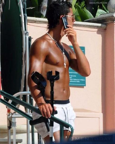 BST quần bơi, quần short đầy sắc màu của Ronaldo (P2)
