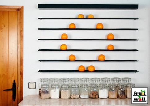 Bức tường hoa quả ngộ nghĩnh trong nhà bếp