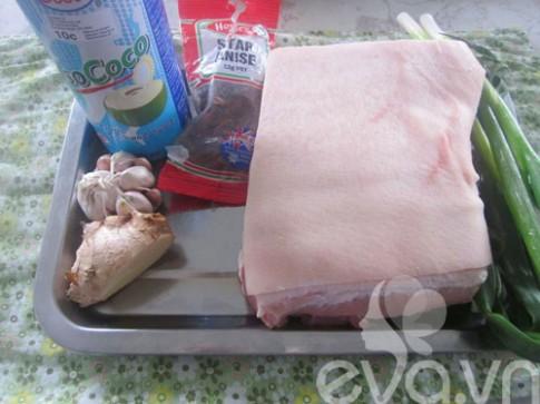 Cách kho thịt để có màu đẹp và ngon
