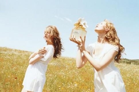 Cách khử mùi nước hoa bạn không thích