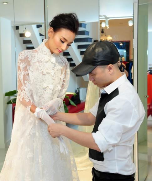 Cận cảnh váy cưới đẹp khó cưỡng của Lê Thúy
