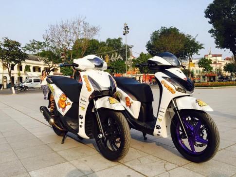 Cặp đôi Honda SH độ đầy phong cách khoe dáng tại Hà Thành