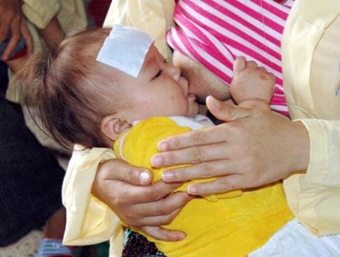 Cha mẹ cẩn thận với viên hạ sốt đặt hậu môn