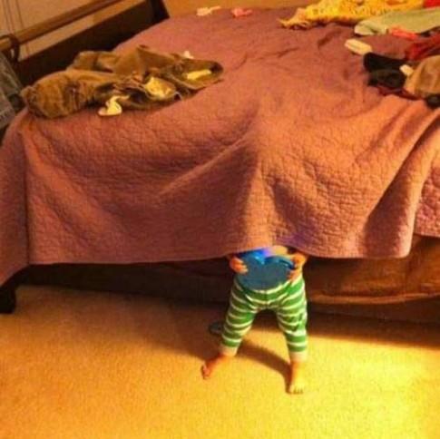 'Chết cười' bộ ảnh: Khi trẻ con trốn