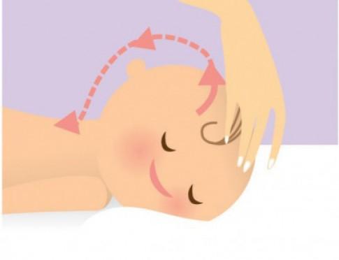 Chiêu massage tăng miễn dịch cho bé sơ sinh